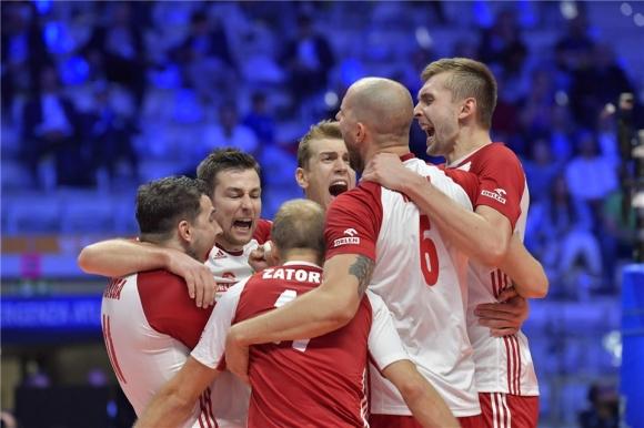 Италия срещу Полша в сблъсък за място на полуфиналите! Гледайте мача ТУК!