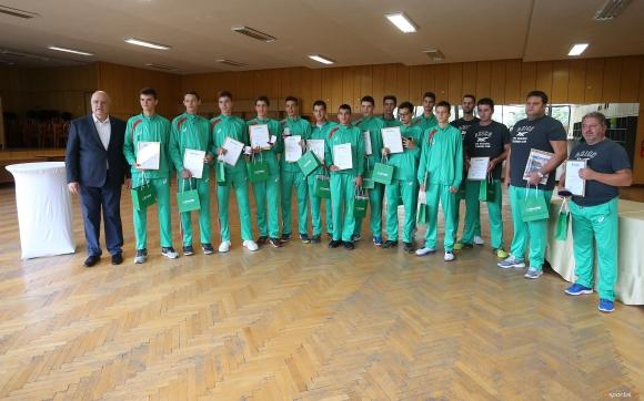 Наградиха кадетите за спечелването на Балканската купа (видео + галерия)