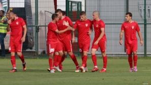 """Царско село би с 2:0 в Добрич, протести и червен картон на """"Дружба"""""""