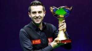 Селби спечели маратонския финал срещу Хигинс в Китай