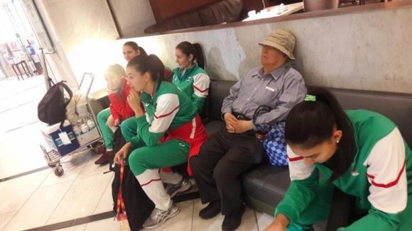 Националките по волейбол пристигнаха в Осака