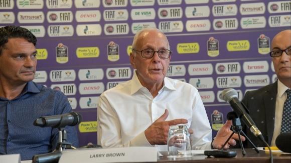 Лари Браун си тръгва от Торино