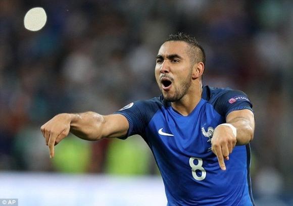 Пайе замени Набил Фекир в отбора на Франция