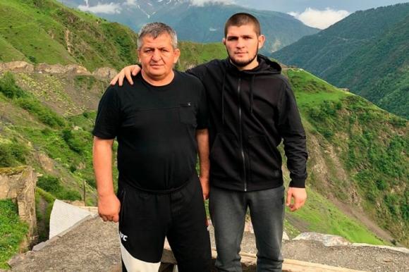 Бащата на Нурмагомедов разкри кой може да е следващият съпeрник на Хабиб