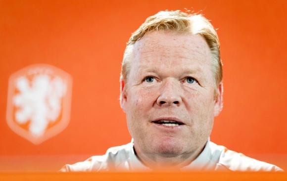 Без здравословни проблеми в лагерна на Холандия преди мача с Германия