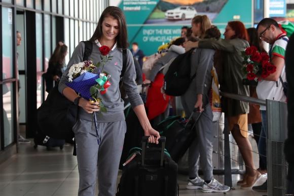 Женският национален отбор по волейбол се завърна в София