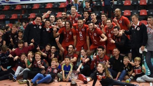 Димитър Маринков и Либертад вдигнаха историческа Суперкупа на Аржентина