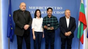Министър Кралев се срещна с легендата на световния муай тай Самарт Паякарун