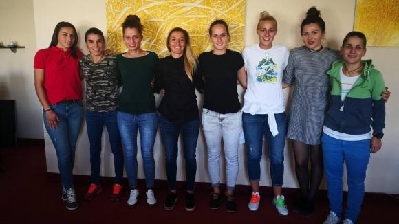 АБФ се срещна с капитанките на женските футболни отбори