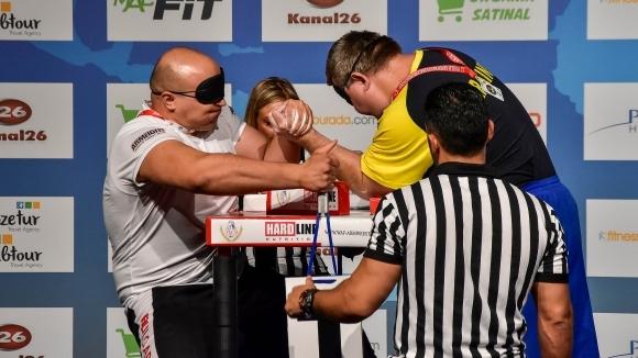 Трима българи с шанс за златни медали на СП по канадска борба