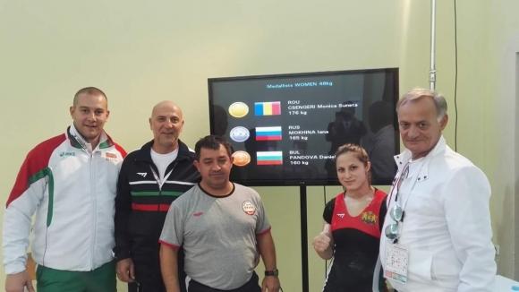 България със 7 представители на Евро 2018 при младите щангисти