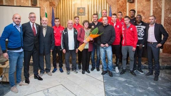 """Голяма чест за Станислав Генчев - присъдиха му званието """"Заслужил..."""