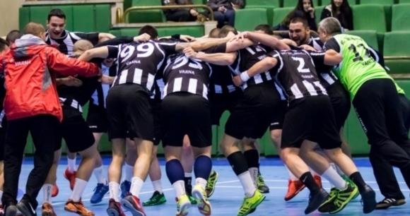 Морското дерби между Локомотив и Спартак в новия кръг на мъжкото хандбално първенство
