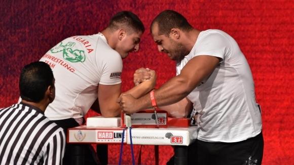 Трима финалисти на Световното по канадска борба на дясна ръка