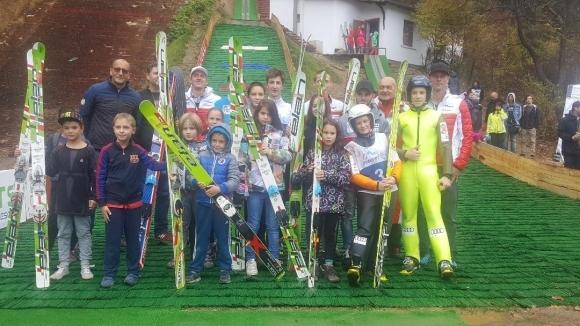 Зографски и Божичков откриха в Самоков обновената ски шанца