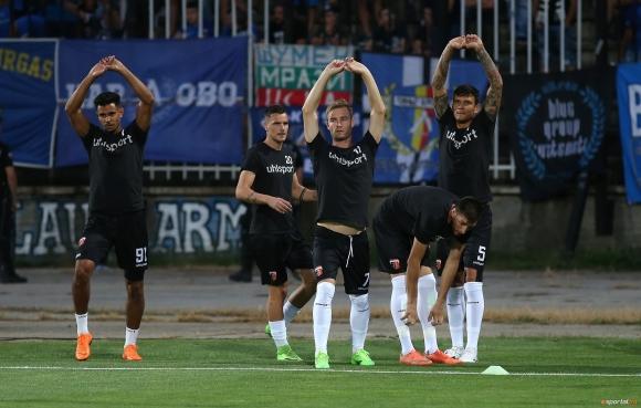 Езе и Райков се завърнаха в групата на Локомотив (Пловдив) за мача срещу...