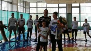 Станка Златева мотивира децата на Поморие да тренират