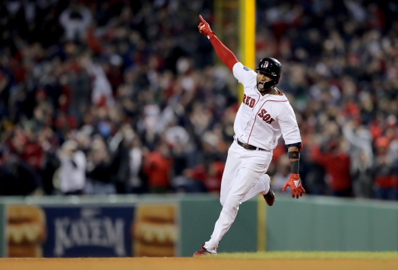 """Бостън удари скования Ел Ей на мразовития """"Фенуей Парк"""" (видео)"""