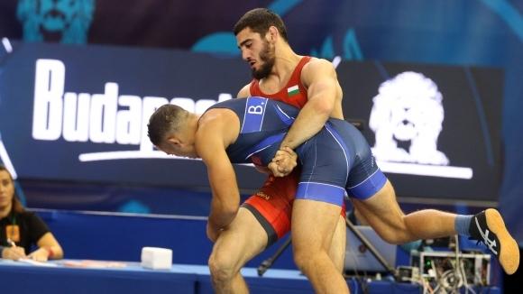 Мнацканян стигна до полуфиналите в дебюта си за България