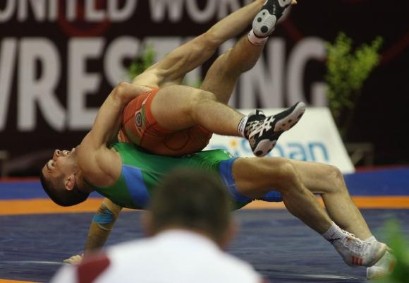 Иво Ангелов започва срещу египтянин на Световното по борба