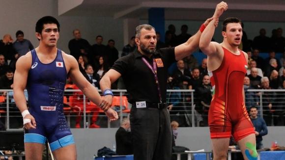 Страхотен Кирил Милов помете световен шампион и е на полуфинал на Световното