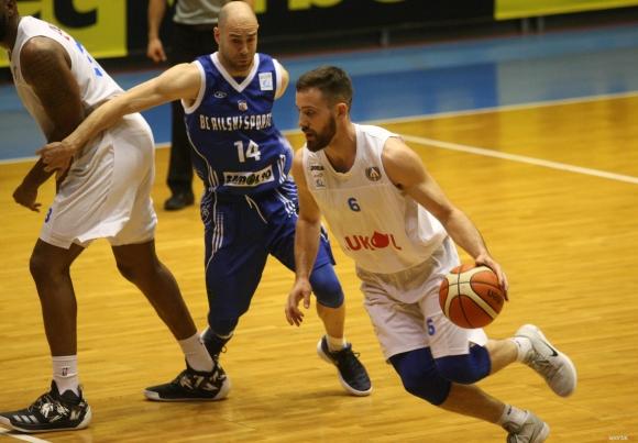 Левски Лукойл с победа в Ботевград
