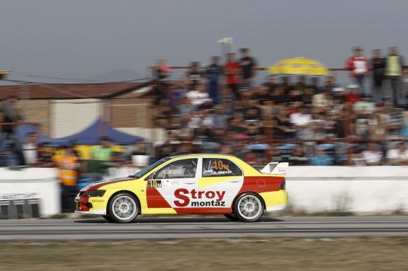 Камен Василев стана лидер в шампионата ни по автомобилизъм преди финала