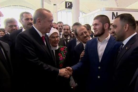 Хабиб се срещна с Ердоган пред погледа на Борисов (видео)