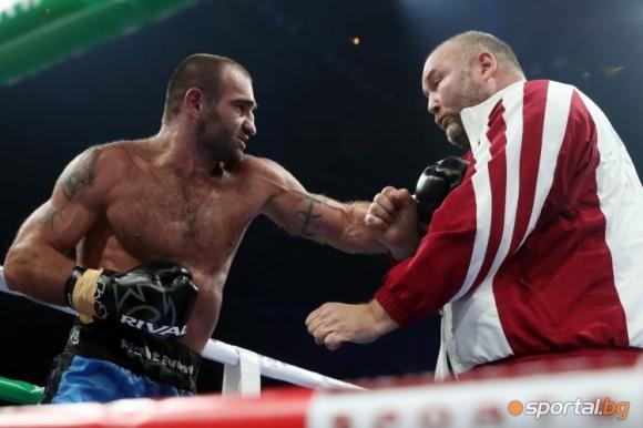"""Натупаният боксов мениджър в """"Арена Армеец"""": Щях да го убия, ако бях отвърнал!"""