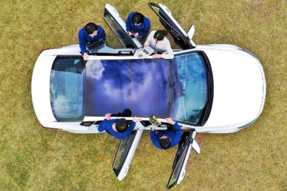 Kia разкрива технологията на бъдещето - соларно зареждане на екоавтомобили