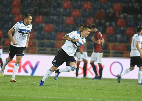 Аталанта удари Болоня за трета поредна победа