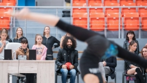 Цигуларят Ара Маликян гостува на националния отбор по художествена гимнастика