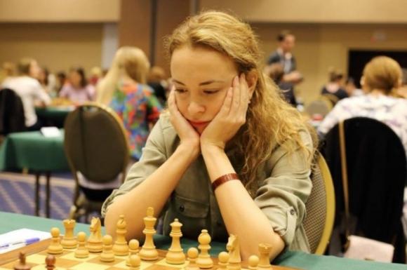 Тайбрек ще реши сблъсъка между Стефанова и Садуакасова от втория кръг на СП по шахмат