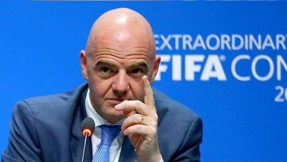 Инфантино иска Мондиал 2022 да се проведе за 28 дни