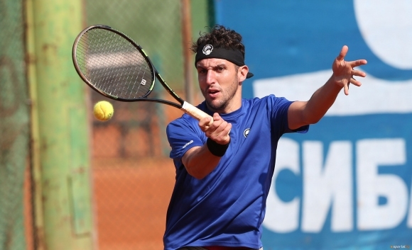 Васко Младенов отпадна на полуфиналите на двойки в Естония