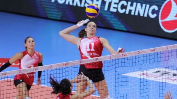 Христина Русева с 10 точки за победа №2 на THY