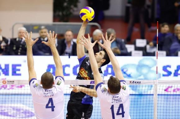 Тодор Скримов с 14 точки, Вибо допусна 5-а загуба в Италия (снимки)