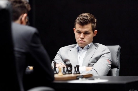 Карлсен и Каруана направиха реми в четвъртата партия за световната титла
