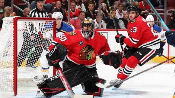 Чикаго надигра Сейнт Луис за първа победа на Колингтън в НХЛ