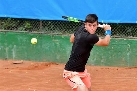Лазаров отпадна на четвъртфиналите в Тайланд