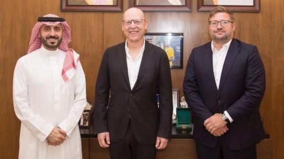 Престолонаследникът на Саудитска Арабия и един от собствениците на Ман Юнайтед се срещнаха