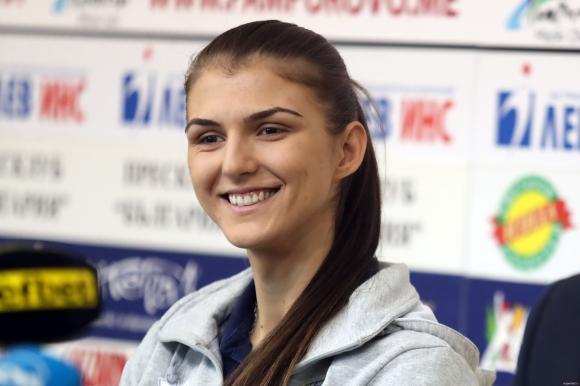 Нася Димитрова: Надявам се през новия сезон да покажем едно ново лице на...