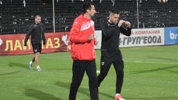 Помощник на Бруно Акрапович заминава за месец в Крузейро