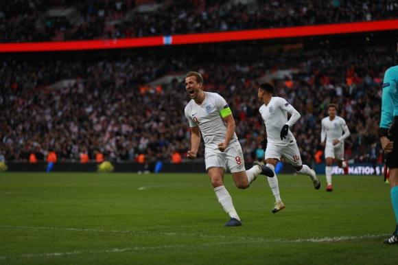 Англия - Хърватия, съставите!