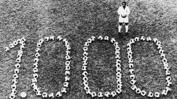 Днес е паметна дата за три футболни легенди