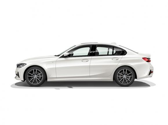 Новото BMW 330e Седан: по-спортно и по-ефективно отвсякога