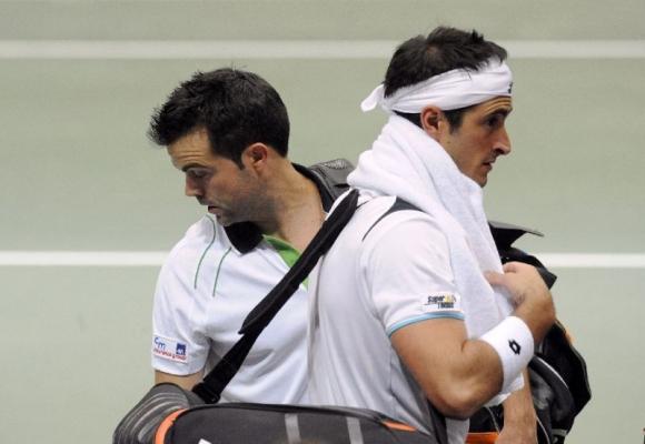 Двама италианци бяха наказани за манипулиране на мачове