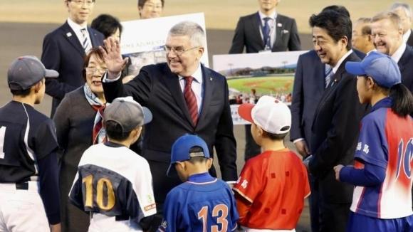 Томас Бах посети префектура Фукушима и разгледа обектите за олимпийските игри в Токио 2020