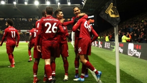 Ливърпул вкара три гола, записа чиста мрежа, но загуби капитана си в едно от трудните гостувания на книга (видео)