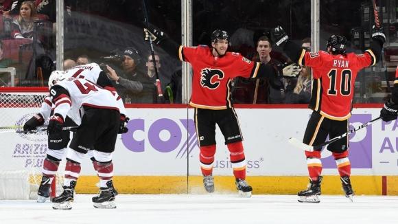 Убедителни победи за новите водачи в дивизиите на НХЛ Калгари и Тампа Бей